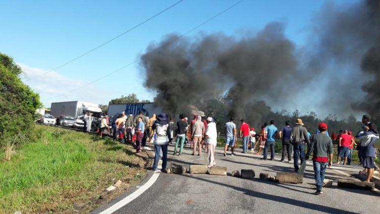 MST bloqueia rodovias na Paraíba no Dia Nacional do Basta