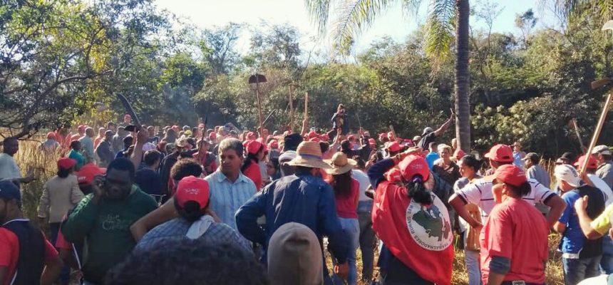 MST lança campanha de 30 anos em MG ocupando as terras de Eike Batista