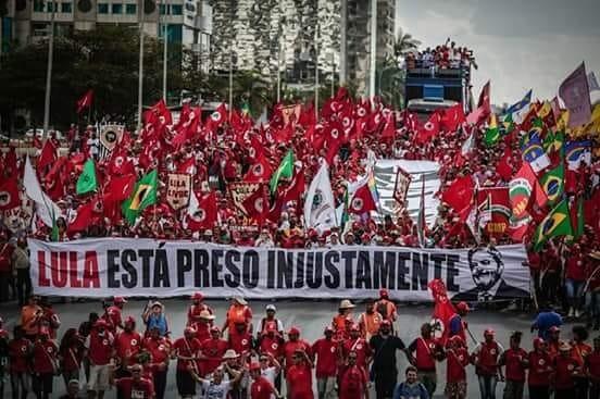 """Lula: """"Enquanto Deus me der vida, jamais vou me esquecer do que vocês fizeram pelo Brasil e pela Democracia"""""""