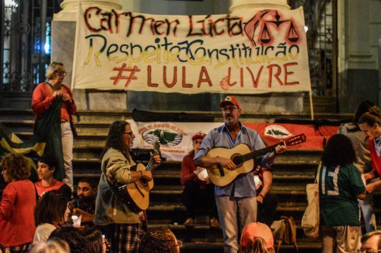 movimentos realizam vigília de solidariedade à greve de fome