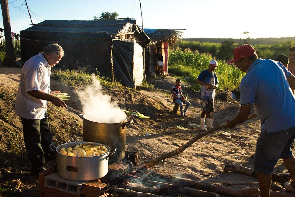 aniversario 1 ano acampamento Arcanjo Berlaminio_Foto Thaís Peregrino-1-35.jpg