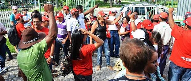 Contra os desmonte na Reforma Agrária, Sem Terras ocupam Incra em Aracaju