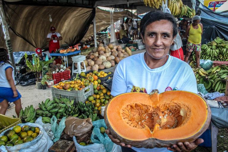 19ª Feira da Reforma Agrária comercializa 513 toneladas de alimentos saudáveis em Maceió