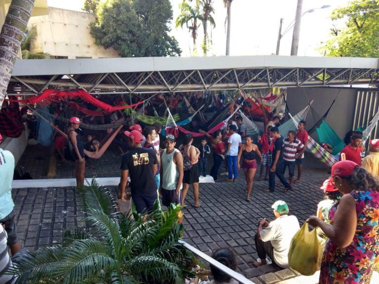 MST ocupa Incra no Ceará