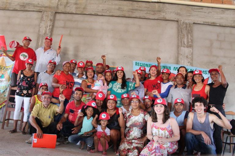 Plantando e alimentando a ousadia: MST de Minas Gerais inaugura 1ª Escola Itinerante