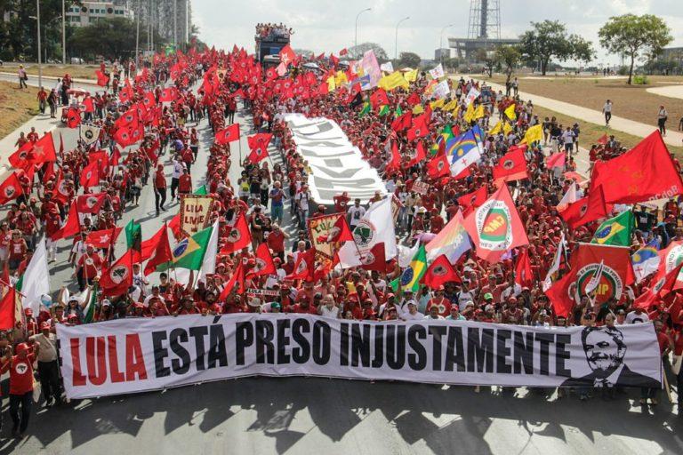 """""""Precisaremos de muita luta e unidade para abrir um novo período de democracia"""""""