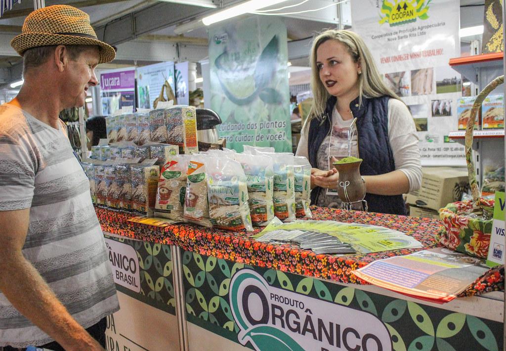Banca de produtos orgânicos da COOPAN disponibilizará vários tipos de arroz.  Foto Diulgação Mst.jpg