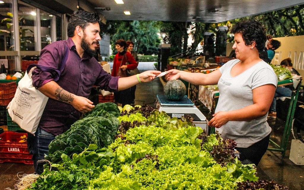 Feira Ecológica na Assembleia Legislativa estreita relação entre produtores e consumidores. Foto Leandro Molina.jpg