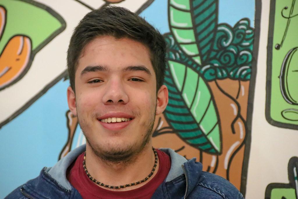 Pedro é um jovem militante do MST e contribui no Armazém do Campo há mais de um ano..jpg