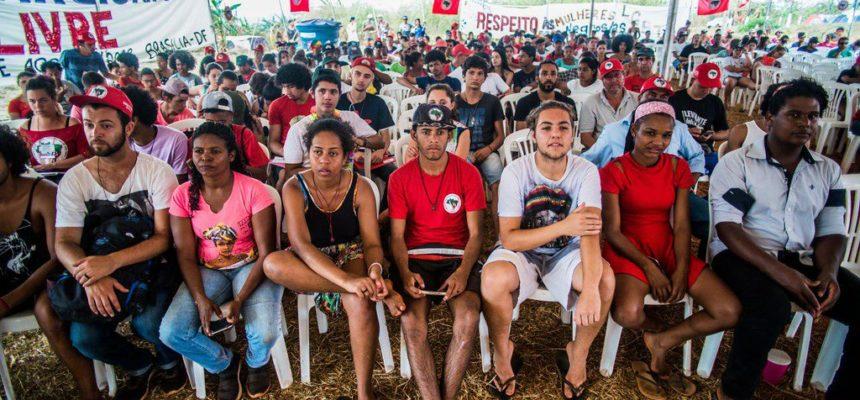 Em Goiás, juventude camponesa realiza ato político cultural em defesa de Lula