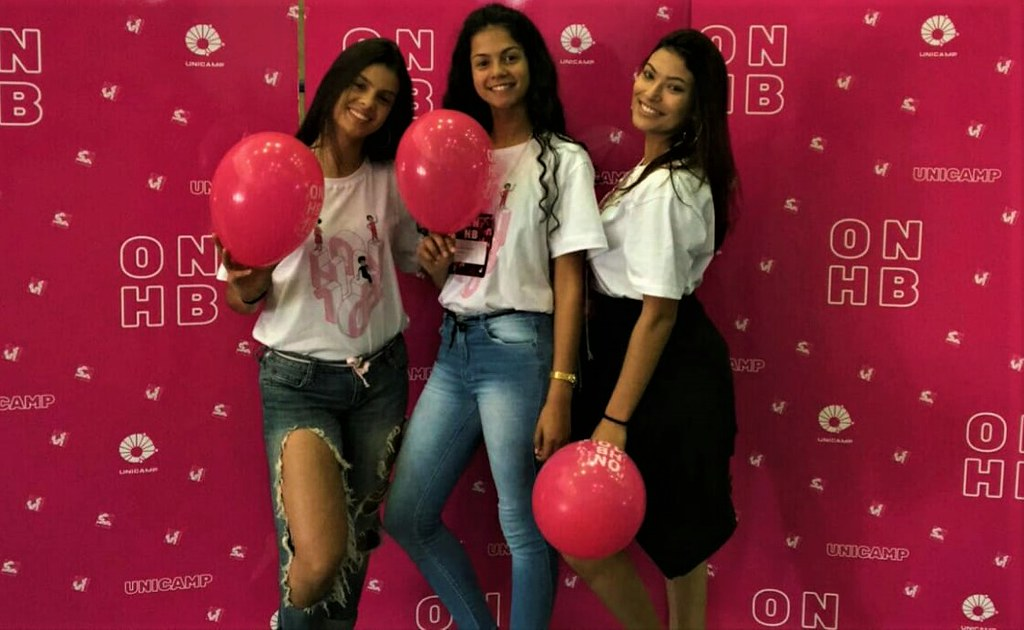 Vitória Camargo, Julia Prates da Silva e Camila Porto das Neves na fase final da competição organizada pela UNICAMP - ONHB - Arquivo Pessoal.jpeg