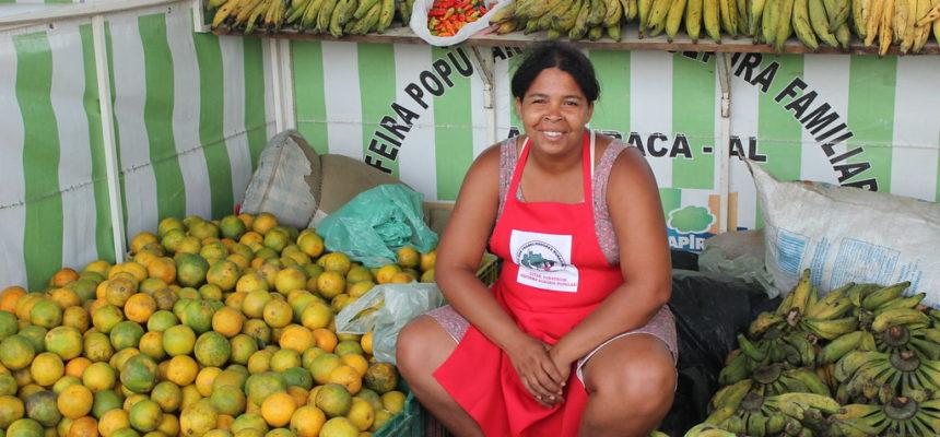 """""""A gente conta os minutos para a Feira da Reforma Agrária"""", conta assentada de Alagoas"""