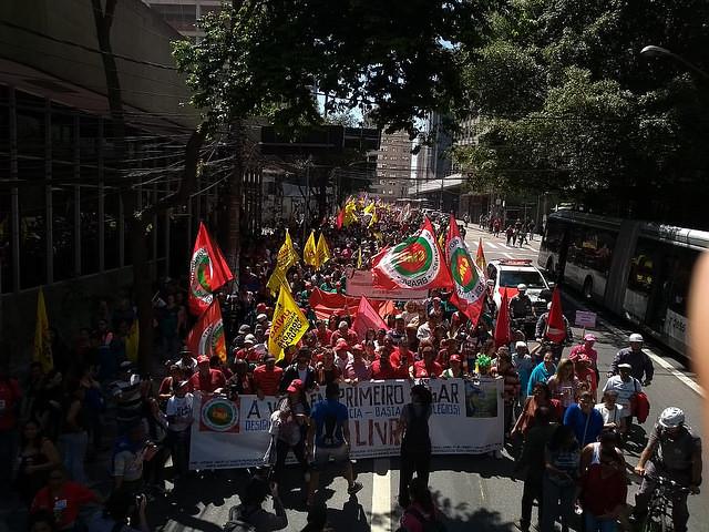 custo de vida e prisão política de Lula