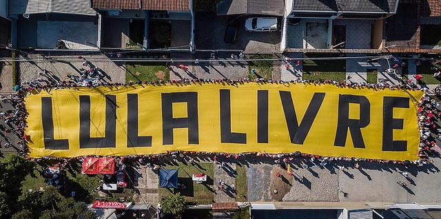 Duas mil pessoas de todo o país celebram 2019 na Vigília Lula Livre