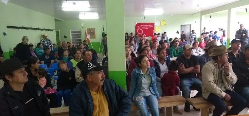 Comunidades escolares lutam pela manutenção de escolas do campo em Abelardo Luz, Santa Catarina