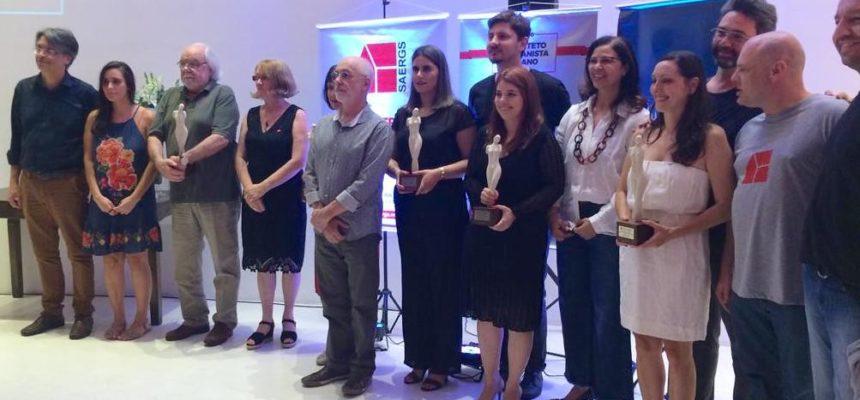 Arquiteta de habitação em assentamentos da Reforma Agrária é premiada no RS