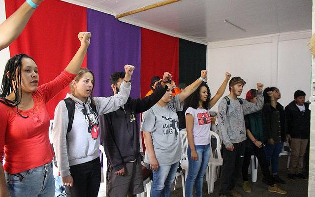 MST promove curso de comunicação popular em Curitiba