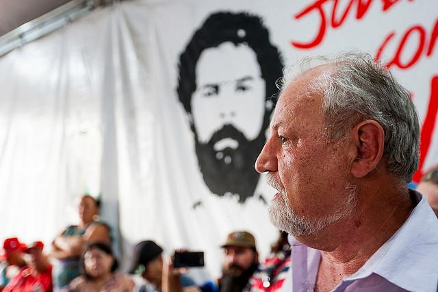 """João Pedro Stédile: """"Classe trabalhadora está presa com Lula"""""""