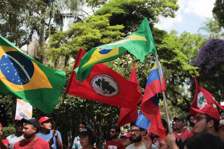 Ato em apoio ao povo venezuelano e ao governo de Maduro reúne dezenas de pessoas em São Paulo