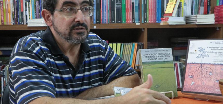 """Adalberto Martins: """"A resistência ativa é a negação desse modelo de produção promovido pelo agronegócio"""""""