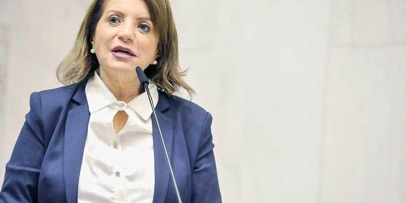 Em nota, MST denuncia ameaça contra deputada estadual professora Bebel