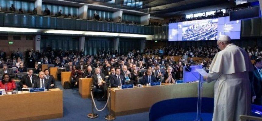 Papa defende desenvolvimento rural para combater a fome no mundo
