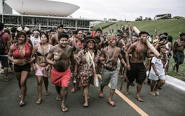 Articulação dos Povos Indígenas realiza acampamento em Brasília