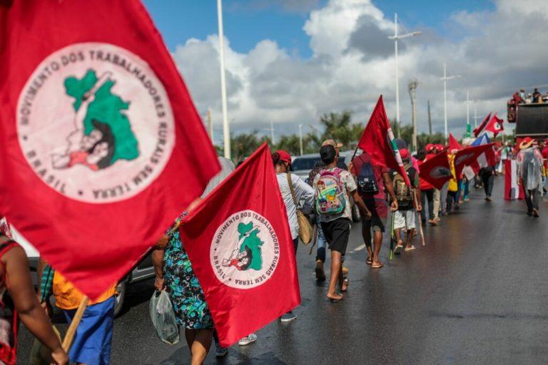 3 mil Sem Terra chegam marchando em Salvador