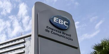 EBC unifica canais público e estatal e viola Constituição