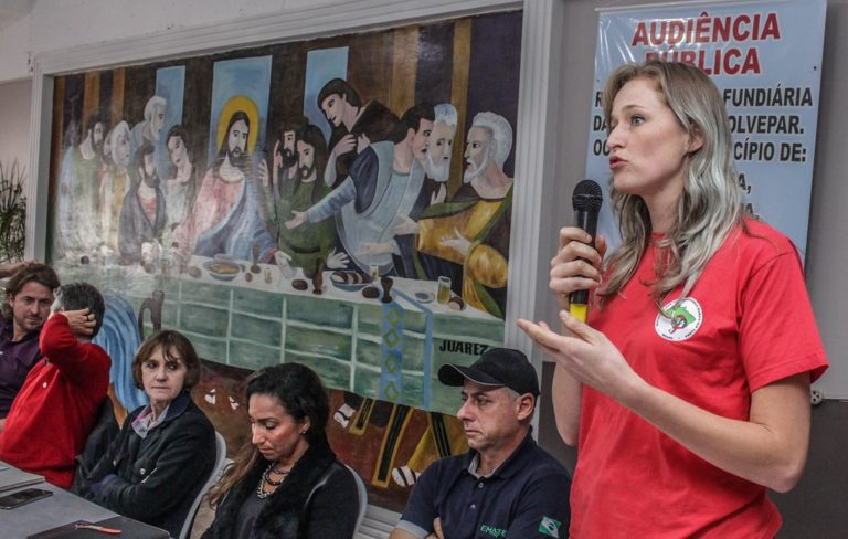 Agricultores cobram regularização fundiária em audiência no Paraná