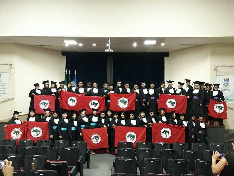 Sem Terra concluem a segunda Licenciatura em Educação do Campo pelo Pronera, no CE. Foto_Divulgação MST.jpg