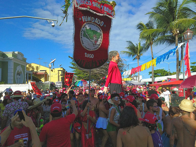 Fique em casa, mas não em silêncio: confira 7 dicas do MST para curtir o Carnaval com segurança
