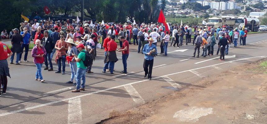 Camponeses do RS aderem à greve geral