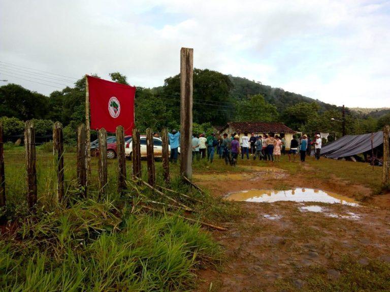MST ocupa três latifúndios na Bahia