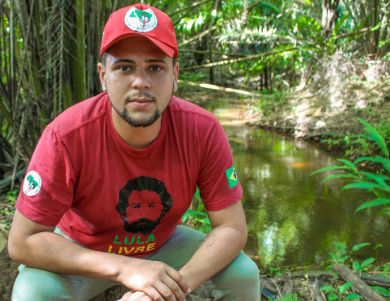 Militante LGBT Sem Terra atua na organização de jovens do campo