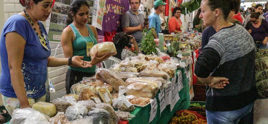 Sem Terra participam da 15ª Feira Latino Americana de Economia Solidária