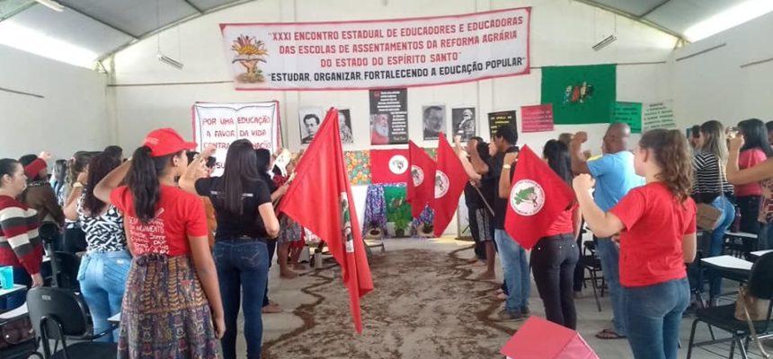 """""""Continuaremos a luta e a defesa da Educação do Campo e do MST"""""""