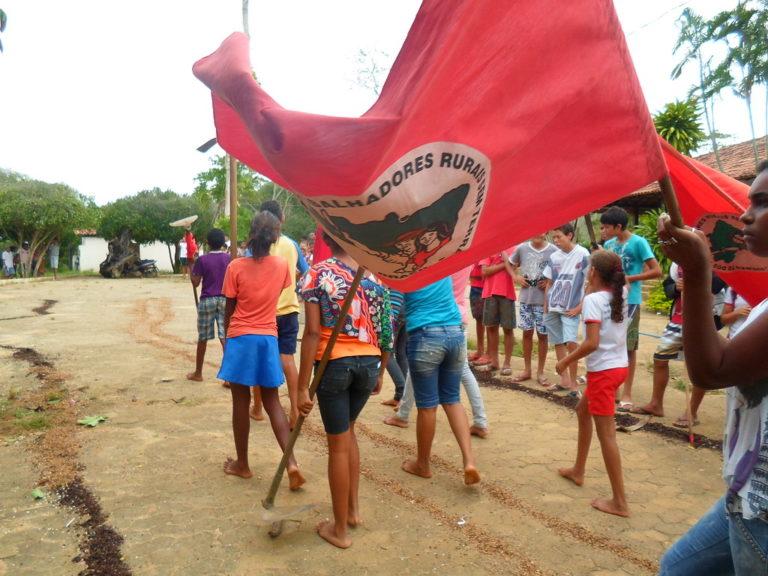 Escola Zumbi dos Palmares comemora aniversário da ocupação