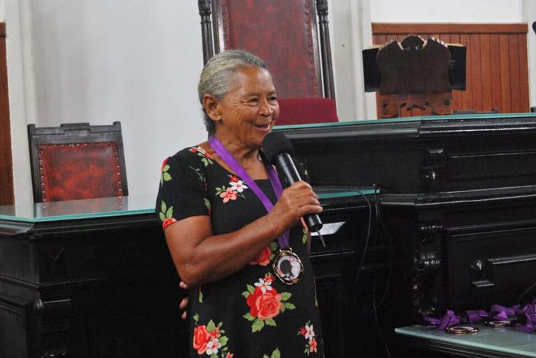 Dona Neusa e a força da mulher negra na cura