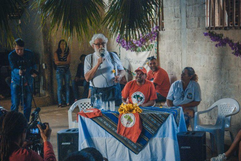 Leonardo Boff visita assentamento do MST na Zona da Mata Mineira
