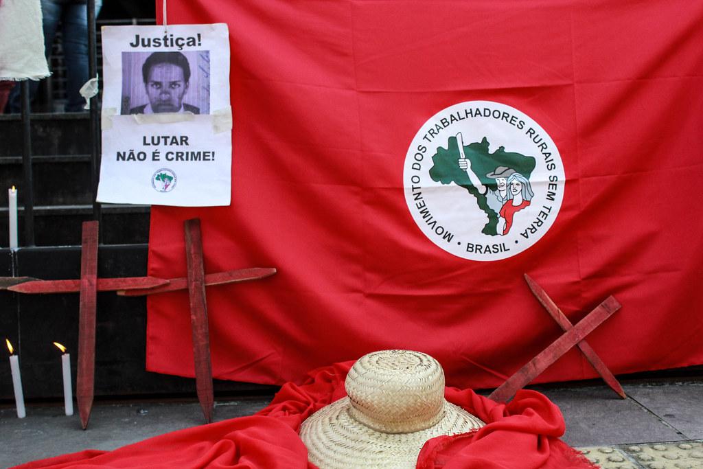 Vigília do MST em 2017, em Porto Alegre, para acompanhar o julgamento do caso Elton Brum da Silva. Foto - Letícia Stasiak.jpg