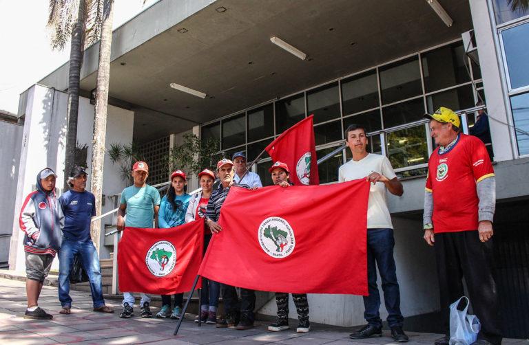 Conciliação prorroga permanência de acampamento do MST em Passo Fundo