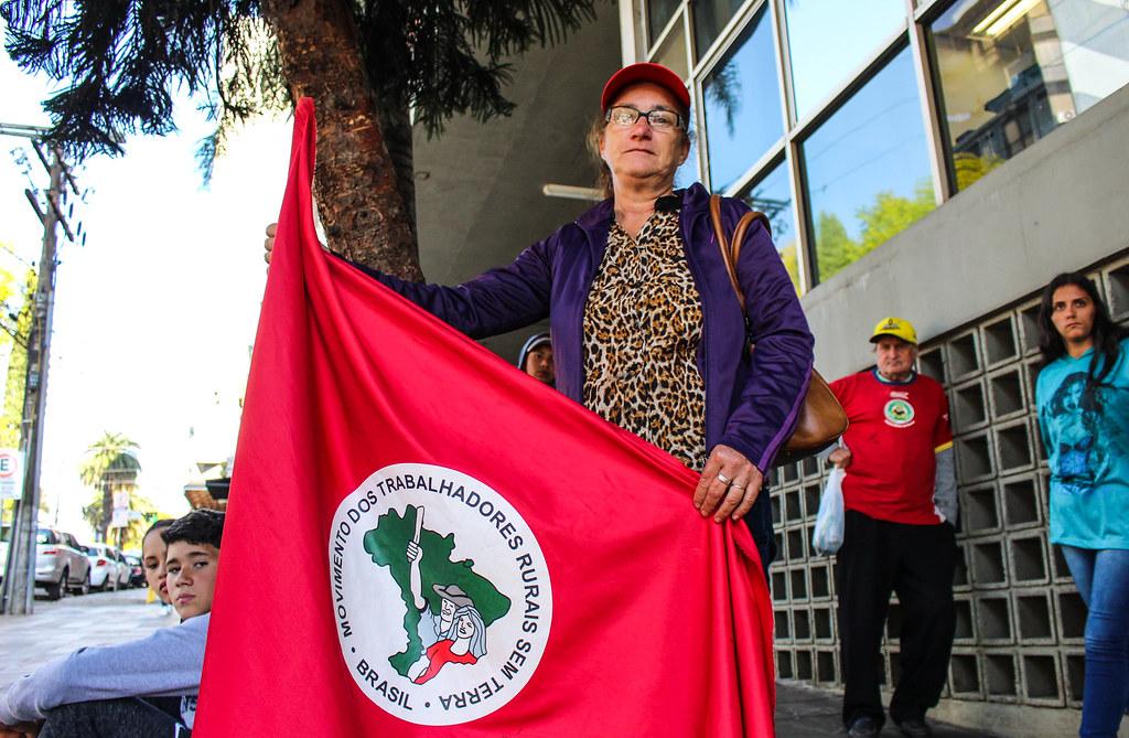 Dona Eleci diz que as famílias acampadas têm consciência de que a conquista da terra só virá com a luta. Foto - Catiana de Medeiros..jpg