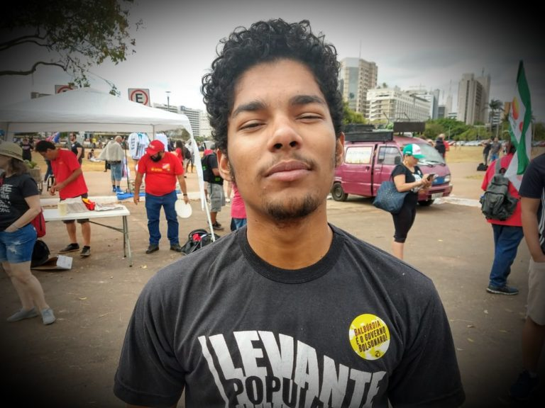 """Estudantes se somam ao """"Grito dos Excluídos"""" para denunciar retrocessos de Bolsonaro"""