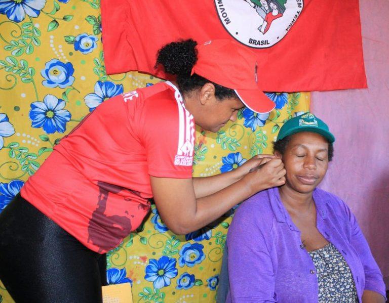 Saúde coletiva e as práticas de cuidados das mulheres Sem Terra