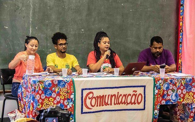 MST realiza plenária com comunicadores em defesa do Centro Paulo Freire