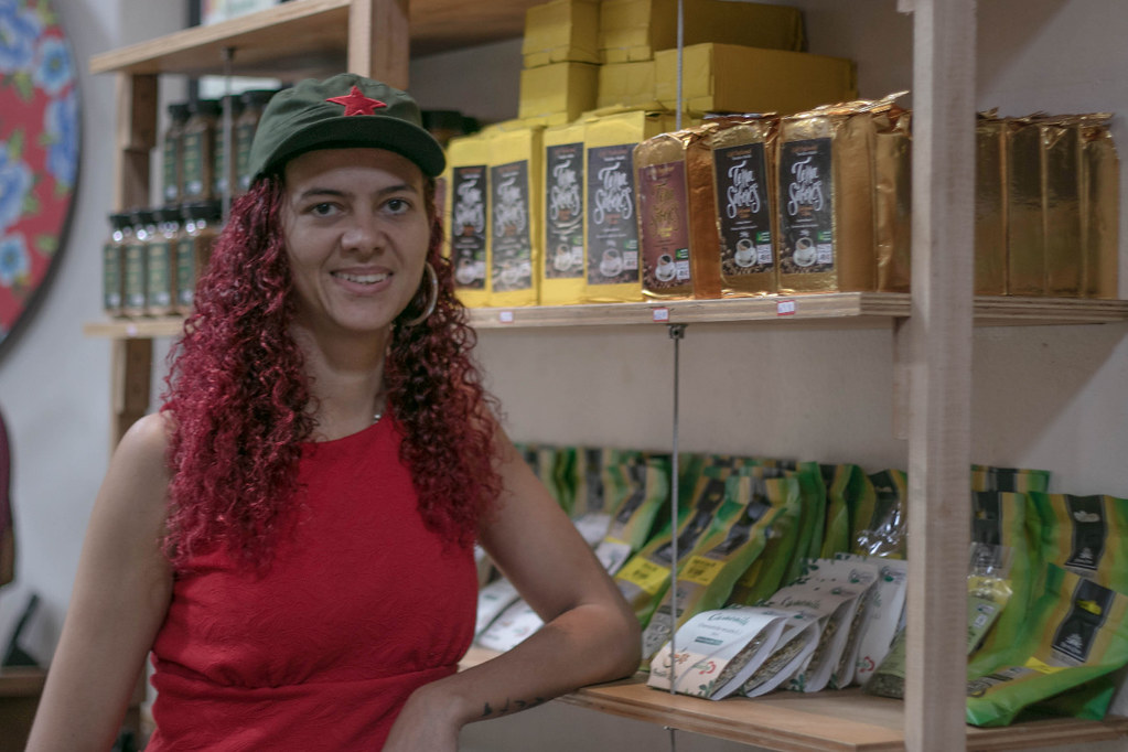 Para Angela, a rede Armazém do Campo é um espaço de resistência político-cultural dos trabalhadores. Foto Luara Dal Chiavon.jpg