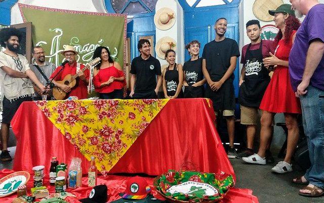Artistas e amigos do MST marcam presença em ato de um ano do Armazém do Campo RJ