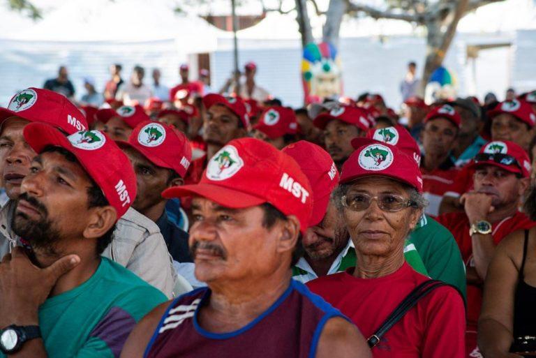 Acampamento consolida resistência do MST ao despejo do Centro Paulo Freire