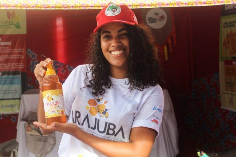 Conheça o Arajuba: o mel agroecológico da Reforma Agrária Popular